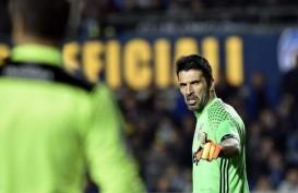 Hengkang dari Juventus, Buffon Bakal Main Sama Messi di Barcelona?