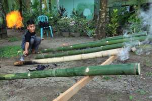Mainan Meriam Bambu Masih Menjadi Tradisi Pemuda di Sejumlah Daerah Untuk Menyambut Idul Fitri
