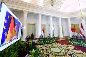 Presiden & Ibu Negara Salat Idulfitri di Halaman Istana…