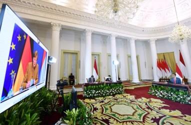 Presiden & Ibu Negara Salat Idulfitri di Halaman Istana Bogor