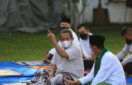 Wakil Wali Kota Bandung dan Sekda Salat Id di Rumdin, Patuhi Imbauan Pemerintah