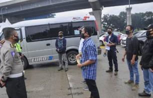 76 Orang dari 8.188 Pekerja Migran yang Tiba di Jawa Timur Positif Covid-19
