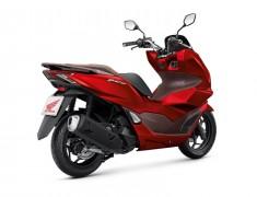 Pilihan Skutik Bongsor, Mau Honda PCX atau Yamaha Nmax?