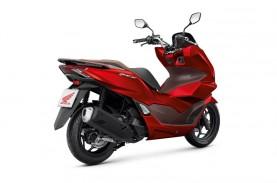 Pilihan Skutik Bongsor, Mau Honda PCX atau Yamaha…