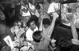 Historia Bisnis, Pak Harto: Silakan Ganti Saya