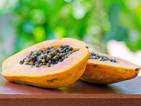 Pepaya bisa menjadi makanan untuk mencegah virus corona (Covid-19) - boldsky.com