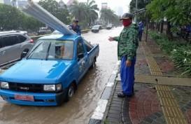Sejumlah Ruas Jalan di Jakarta Utara Tergenang Usai Hujan Senin Malam