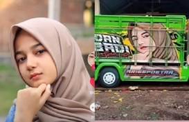 Viral! Gadis Cantik Aceh Kerap Jadi Meme di Bak Truk