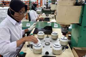 Pacu Manufaktur, Pengamat: Subsidi Gaji Karyawan Harusnya…
