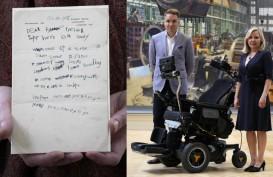 Alat Kantor, Kursi Roda Stephen Hawking Mejeng di Museum Sains London