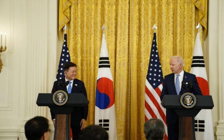 Presiden Korea Selatan Moon Jae In dan Presiden Amerika Serikat Joe Bidden.  - Bloomberg