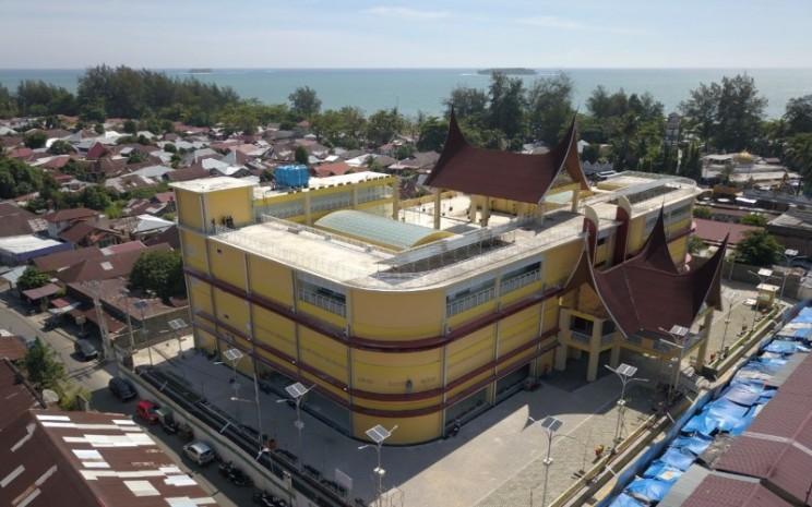PT Wijaya Karya Bangunan Gedung Tbk (WEGE) telah menyelesaikan revitalisasi Pasar Rakyat Pariaman, Sumatera Barat.  - WEGE.
