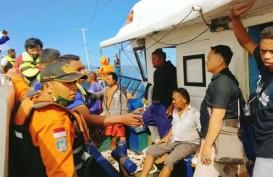 KM Karya Indah Terbakar di Maluku Utara