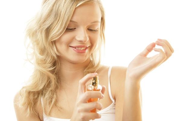 Tips memakai parfum - harveyprince.com