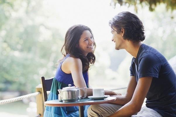 Ilustrasi pasangan yang saling menyukai - Elcrema