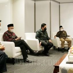 Sinergi Masyarakat Ekonomi Syariah Untuk Pemulihan Ekonomi