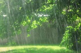 Cuaca Jakarta 5 Juni, Waspada Hujan Petir & Angin…