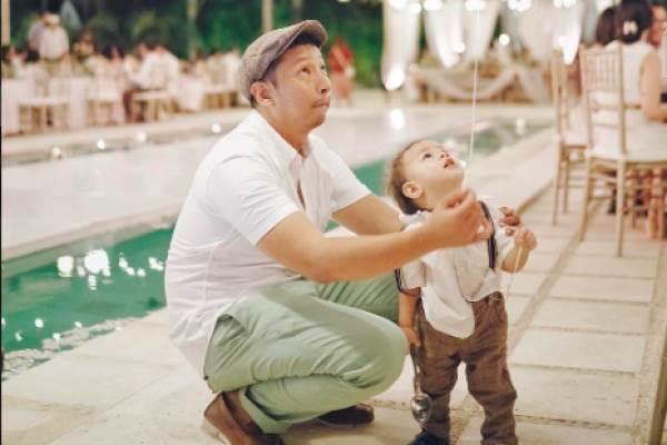 Ringgo Agus Rahman dan putranya. - Instagram
