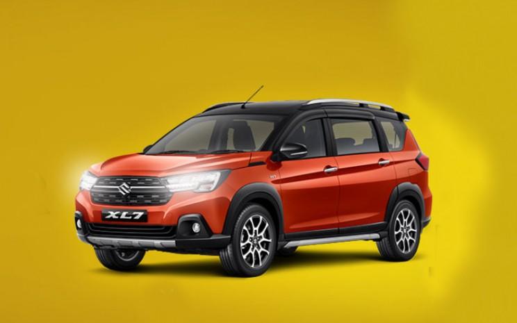 Suzuki XL7.  - Suzuki