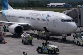 Beda Cara Garuda (GIAA) dan AirAsia Jaga Napas saat…