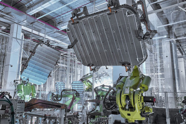 Pabrik Audi.  - AUDI