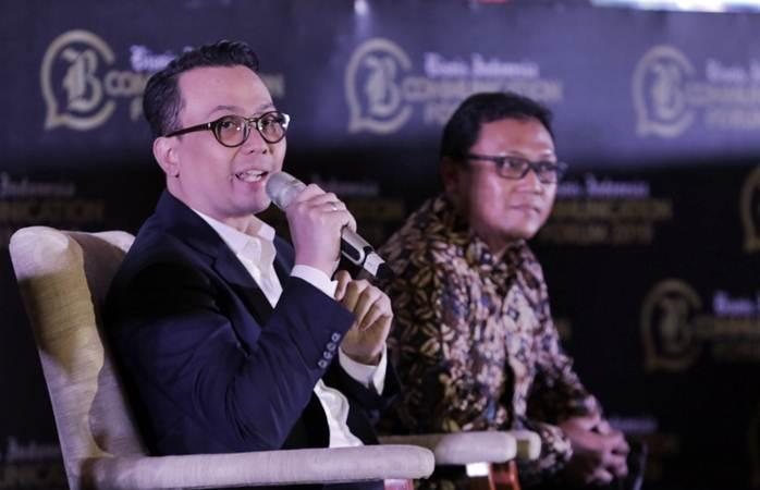 GM Head of Corporate Communication PT Astra International Boy Kelana Soebroto memberikan paparan saat diskusi pada acara Bisnis Indonesia Communication Forum 2019 di Jakarta, Senin (29/4/2019). - Bisnis/Felix Jody Kinarwan
