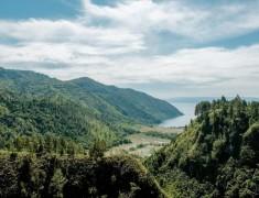 Adian Nalambok, Spot Terbaik Intip Lanskap Keindahan Danau Toba