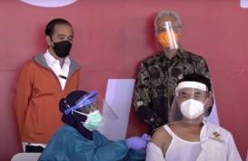 Presiden Tinjau Vaksinasi 1.000 Orang di Pelabuhan Tanjung Emas, Semarang