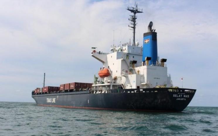 KM Selat Mas, kapal kontainer yang dikelola oleh PT Temas Tbk. - temasline.com