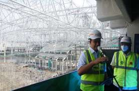 Wow! WEGE Lifting Atap Jakarta International Stadium…