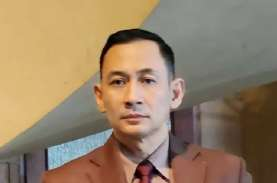 Dipolisikan Roy Suryo, Pesinetron Lucky Alamsyah Segera…