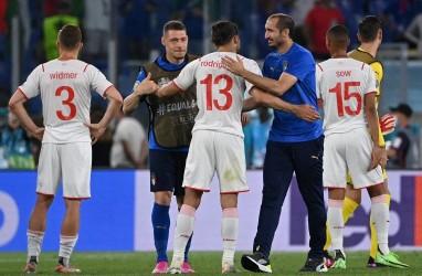 Meski Cedera, Chiellini Rayakan Lolosnya Italia ke 16 Besar Euro 2020