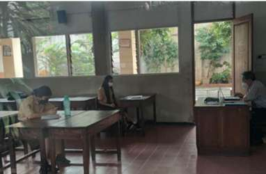 Kasus Covid-19 Meledak, DKI Batalkan Uji Coba Sekolah Tatap Muka Tahap II