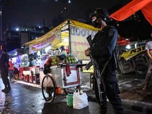 DKI Jakarta Kembali Terapkan PPKM, Kegiatan Masyarakat Dibatasi Hingga Pukul 21.00