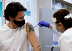 Jangan Takut Suntik Vaksin, Yuk Kenal Lebih Dekat Vaksin AstraZeneca
