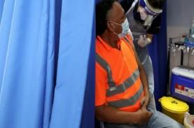 Malaysia Targetkan Vaksinasi 60 Persen Penduduk Akhir…