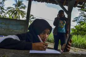 Kemdikbudristek: Sekolah di Zona Merah Tetap Daring…