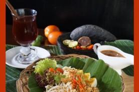 Menikmati Sajian Tradisional Betawi ala Hotel di Wood…