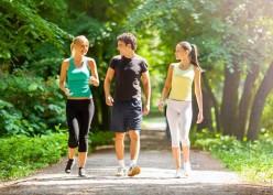 Wajib Tahu! Ini 5 Manfaat Berjalan Kaki Setelah Makan