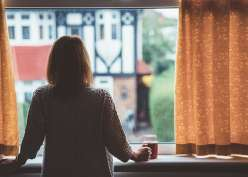 7 Tips Mengatasi Kecemasan Sosial Pasca Isolasi Covid-19