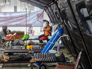 RSUD Cibinong Penuh, Pasien Dirawat di Tenda Darurat