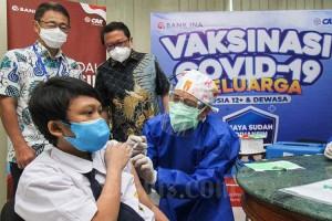 CAR Life Insurance dan Bank Ina Gelar Vaksinasi Covid-19