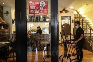Pengunjung Restoran di DKI Jakarta Wajib di Vaksin Covid-19