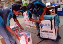 Karyawan Blibli.com siap mengantarkan barang ke pelanggan, di sela-sela peluncuran BlibliMART, di Jakarta, Senin (9/4/2018)./JIBI-Nurul Hidayat